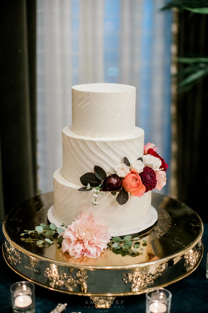 Simple Fall Wedding Cake | Maroon and Navy Wedding Design