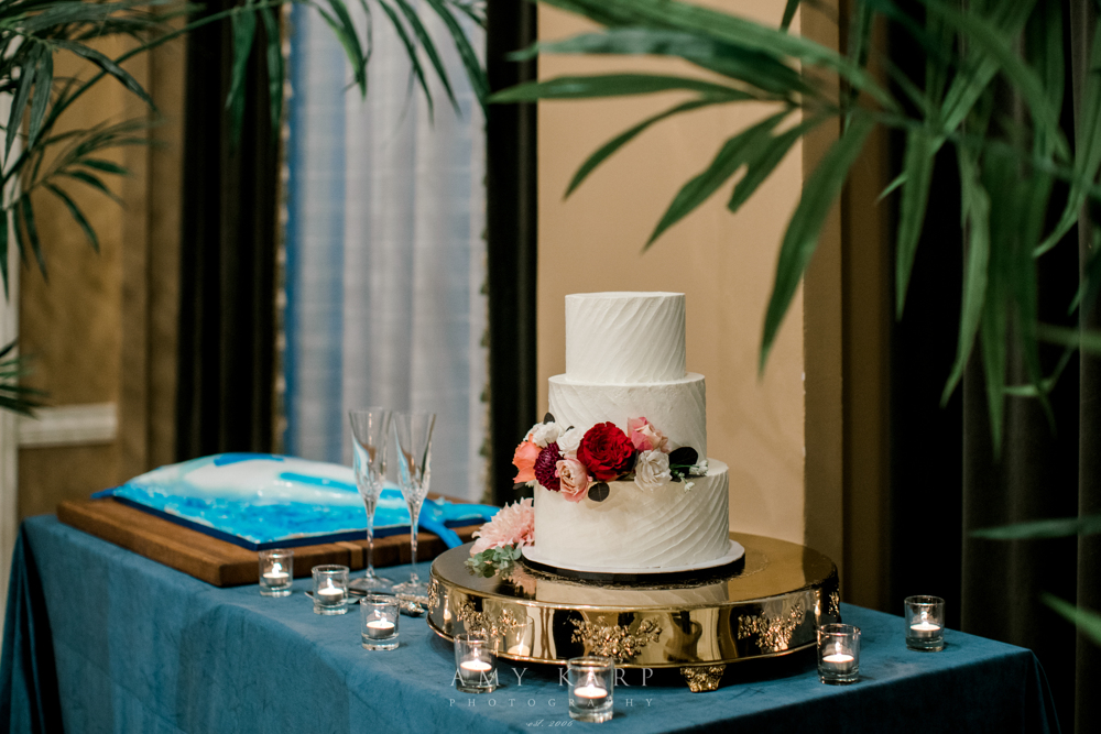 Maroon and Navy Wedding Cake | Formal Downtown Fort Worth Fall Wedding