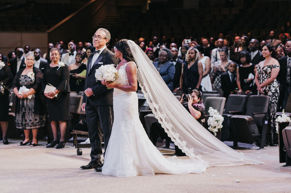 Modern Dallas Wedding Ceremony | Dallas Wedding Planning