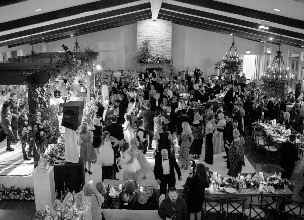 wedding-reception-wedding-band-and-dance-floor-party