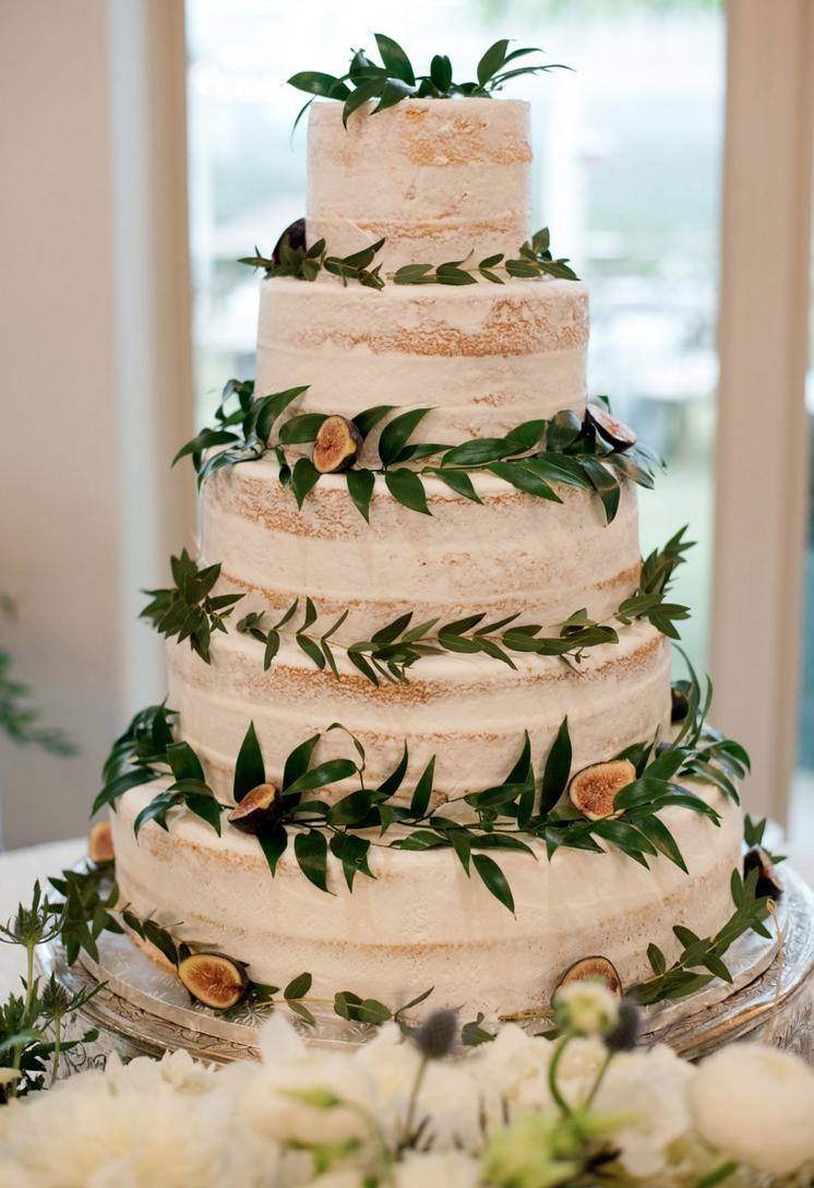 spring-organic-vineyard-wedding-naked-cake