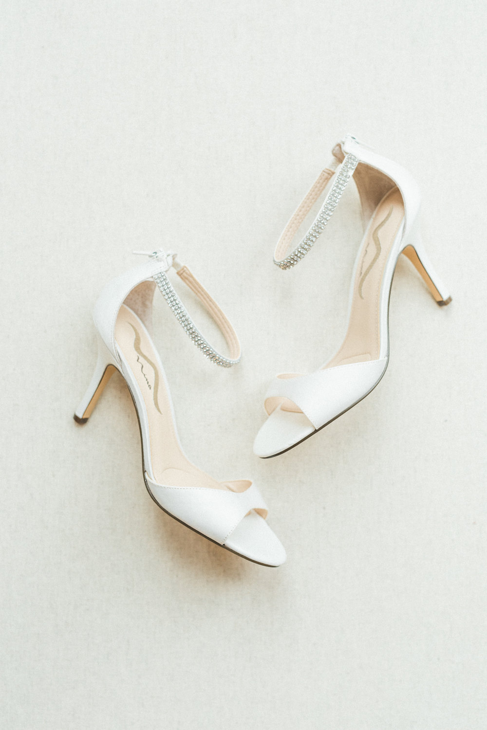 wedding shoes inspiration white classic heels