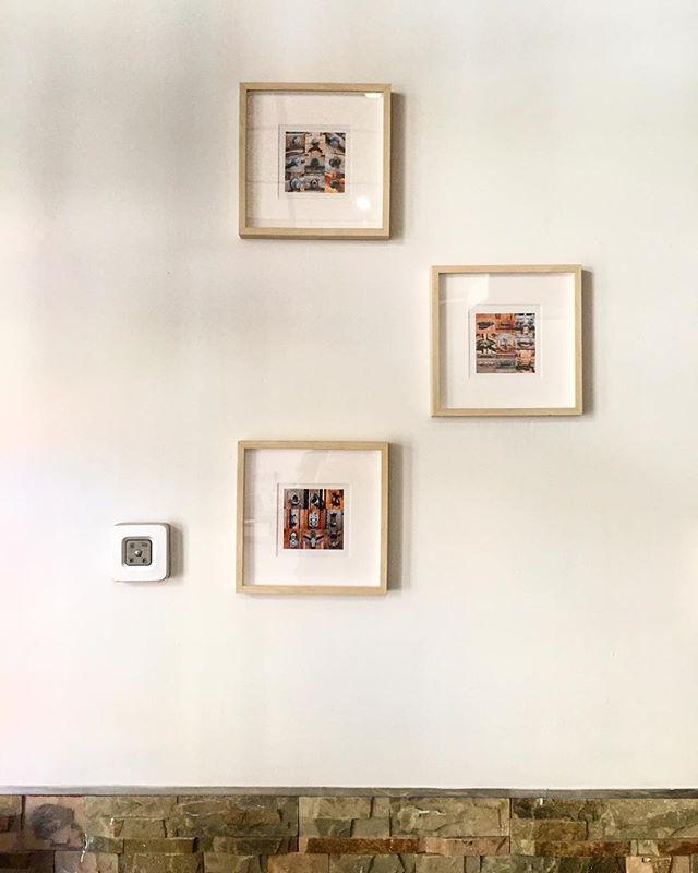 É otro día fuimos a comer en @mirantlamarsc en El Cabanyal y mirad lo que nos hemos encontrado....👀Nuestras postales decoran sus paredes! 🤩🤩🤩 nos encanta!! #mavamstudio #mavam #cabanyal #cabañal #mirantlamar #restaurantevalenciano #decoracion #postales #elementosdecorativos #fachadas #cabanyalstyle #valencia #tradicionydiseño