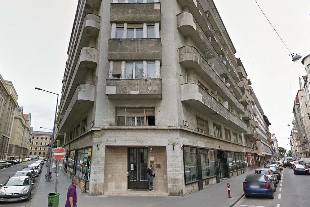 Blade Runner 2049 location: K's (Ryan Gosling) apartment block in Los Angeles was filmed in Budapest.