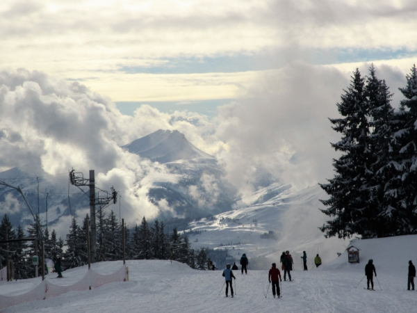 Skiing down to Les Carroz - with a view across Flaine and over to Pointe Percée