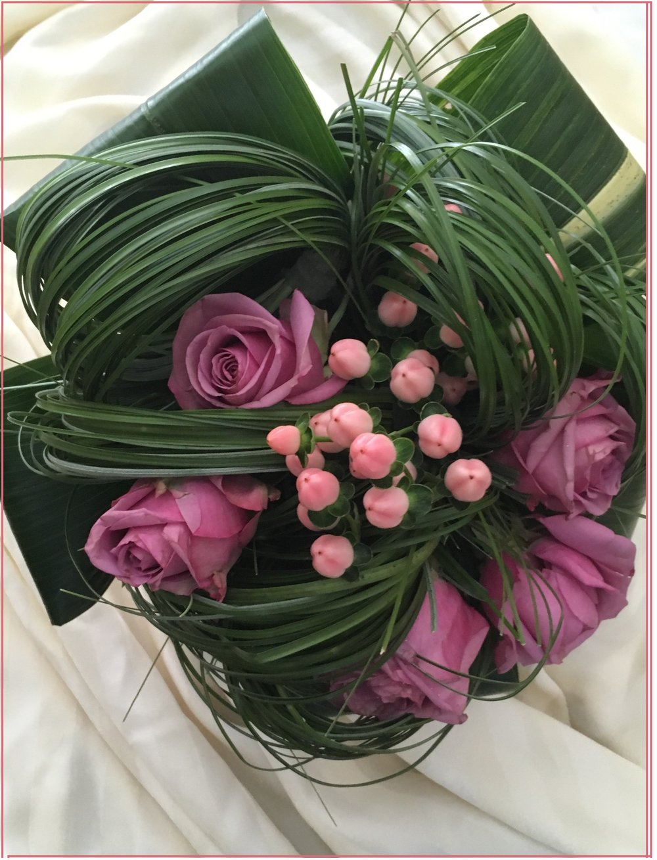 Chers Mariés,Vous êtes cordialement invités aux Jardineries St-Ambroise,afin de choisir vos arrangements floraux, selon votre style,vos couleurs, et la petite touche magique qui illuminera votre journée! -