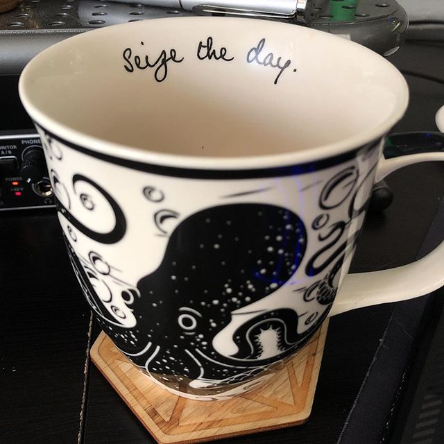 Let's take a kraken at this Thursday! . . #mugsofinstagram #coffee #coffeetime #cupajoe #siezetheday #kraken #favoritemug #tea #teaofinstagram #coffeeoftheday #coffeeofinstagram #dopemugs #nerdythings #geekstuff