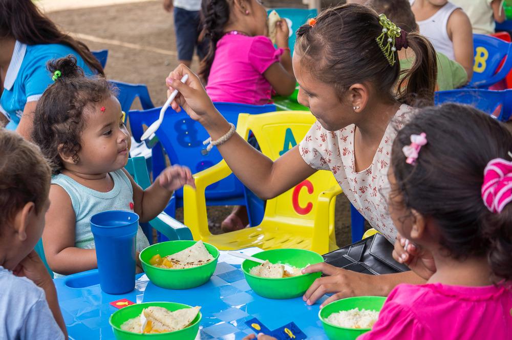 feeding program in Cristo Rey