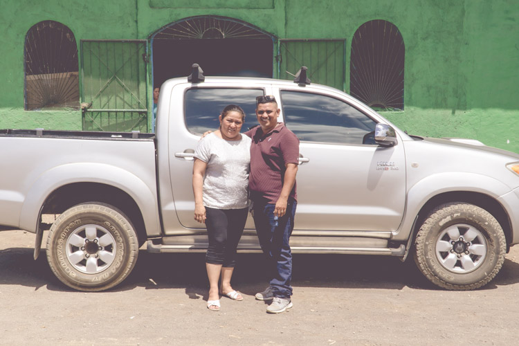 Pickup truck for Pastor Carlos & Zulema in Cristo Rey