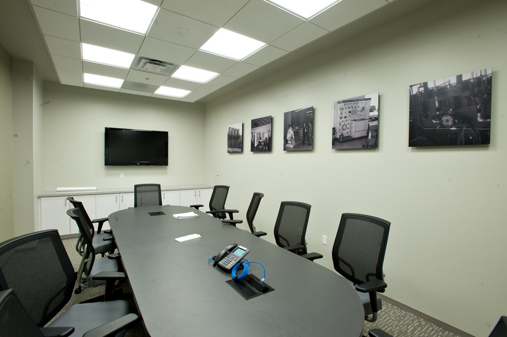 Dunn-Edwards_ConferenceRoom.jpg