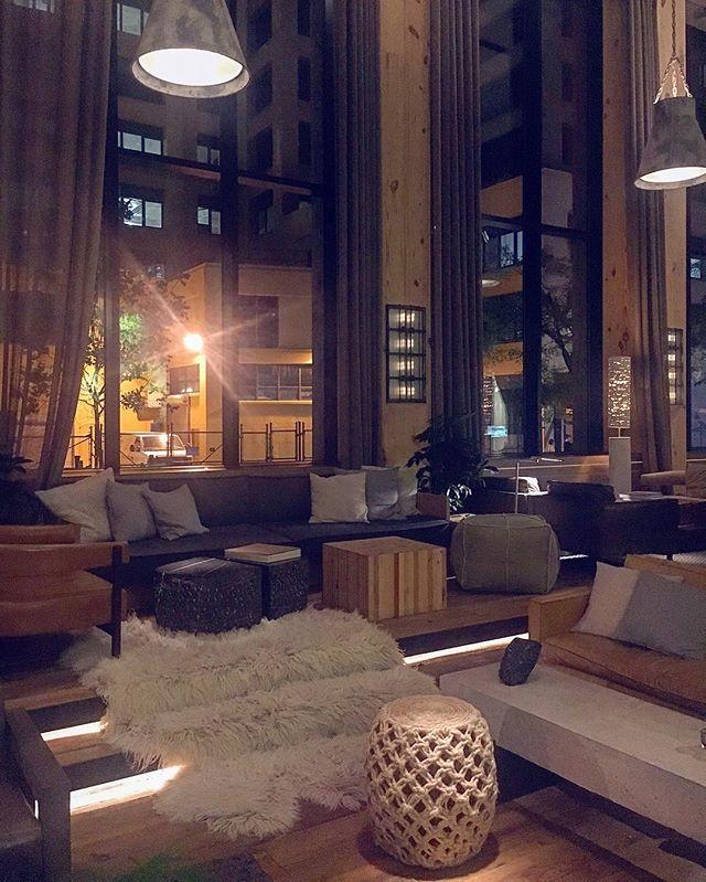 This multiple materials and coziness makes this lounge one I could lounge in forever. One Hotel Brooklyn ftw. #brooklyn #onehotel #wearetravelgirls #dametraveler #solotraveler #whoruntheworld #stayandwander #womeninwanderlust #girlslovetravel #nomad #discovery #selfdiscovery #introspection #exploremore #wander #wanderlust #womenoftheworld #instadaily #thegoodlife  #travel  #traveladdict  #travelgram  #travelingphotography #travellife  #traveltheworld  #traveltips  #wheretonext #worldcaptures #passionpassport #hospitality