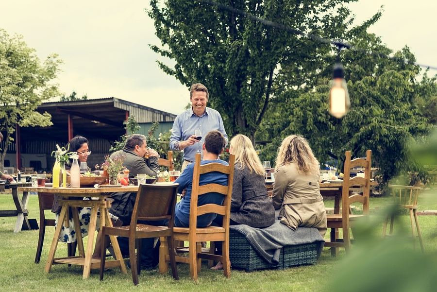 bigstock-Group-Of-People-Dining-Concept-152381240.jpg