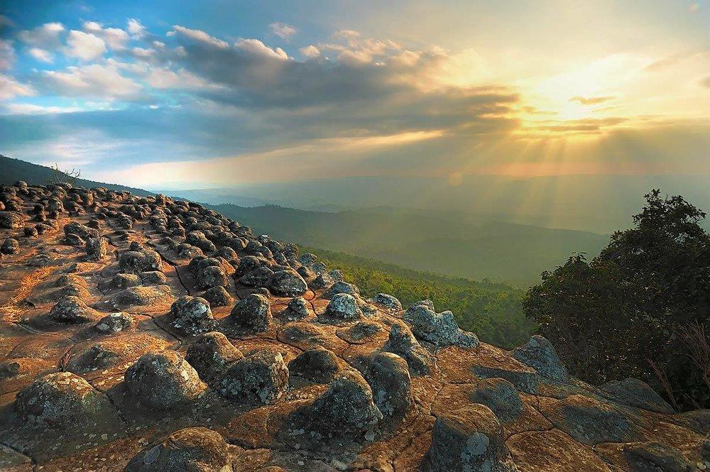 ลานหินตุ่ม.jpg