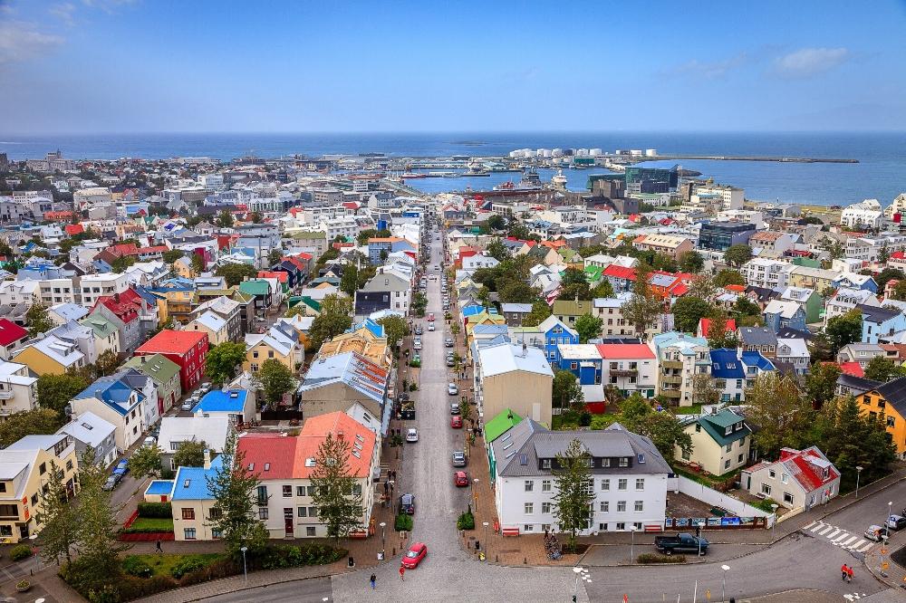 Photo Credit: https://sagatravel.is/faq/day-9-domestic-flight-from-akureyri-to-reykjavik/09reykjavikcitycenter/