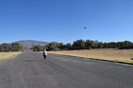 Nobody was there, and I got to enjoy the pyramids and hot air balloons in peace!