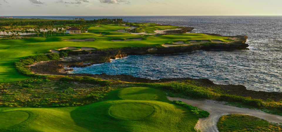 Where in the world is the Corales Golf Course?