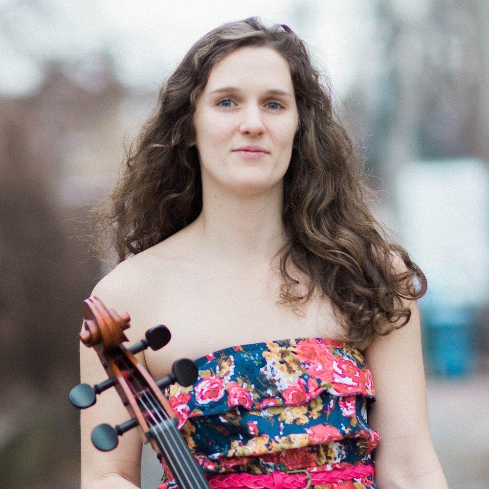 Julia Floberg,  cello  Thursday Musical Debut