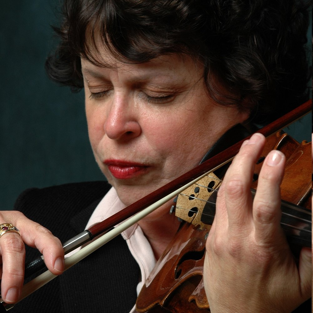 Mary Budd Horozaniecki,  violin  ©Daniel Kieffer Photography