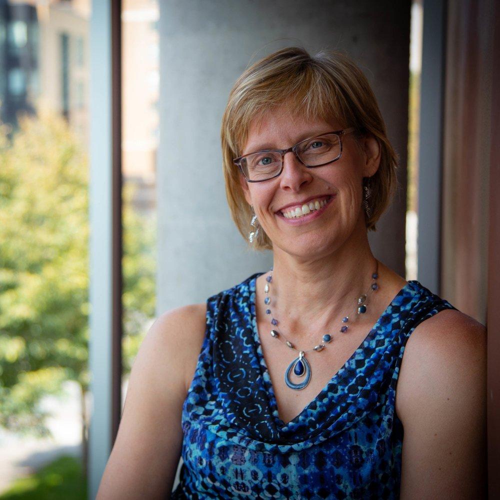 Sue Ruby,  piano