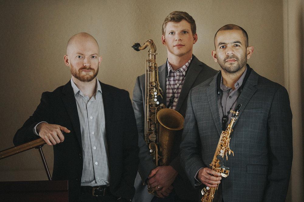 {Trés}: Casey D. Rafn, piano; Joel Gordon, Saxophone; José A. Zayas Cabán, Saxophone