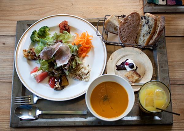 出典元:http://calend-okinawa.com/food/foodshopnavi/ploughmans-lunch-bakery.html