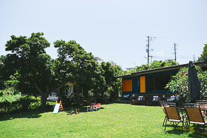 欧風カレー喫茶 フランクリン/広いお庭とおいしいカレー。芝生が広がっているのでこどもたちは大喜び!