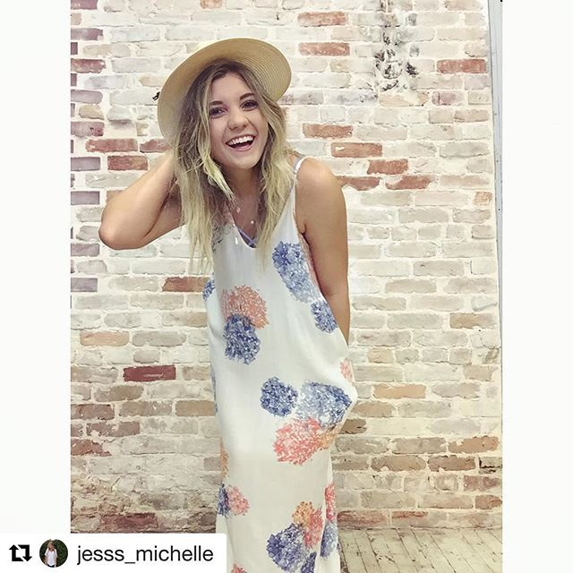 Our girl @jesss_michelle rockin' one of our many new arrivals! Maxi dresses WITH pockets, yes please!