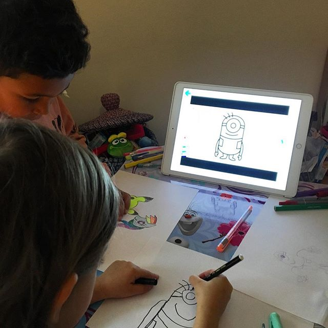 Learning How to draw a minion! #artcrafts #howtodraw #artcrafts #artkids #childrenartist #parenting #parentingtips