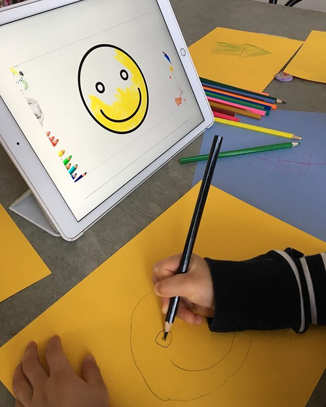 Learning how to draw a smiley 😊 #artkids #kidsart #doodlebugsdrawingschool #howto #kidsactivities #craftideas #kidscrafts #howtodraw #childrenart #artsandcrafts