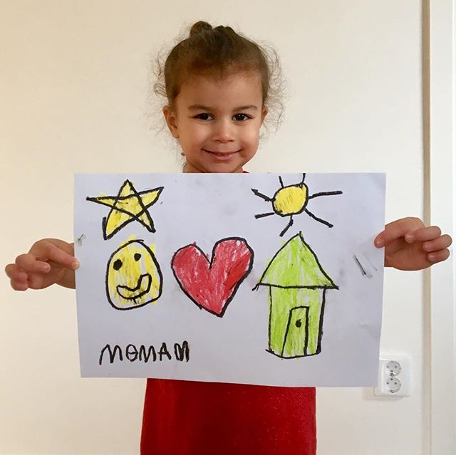 Nova is proud of her work! 👏🏽learning how to draw basic symbols⭐️☀️🙂😊 #artkids #kidsart #doodlebugsdrawingschool #howto #kidsactivities #craftideas #kidscrafts #howtodraw #childrenart #artsandcrafts