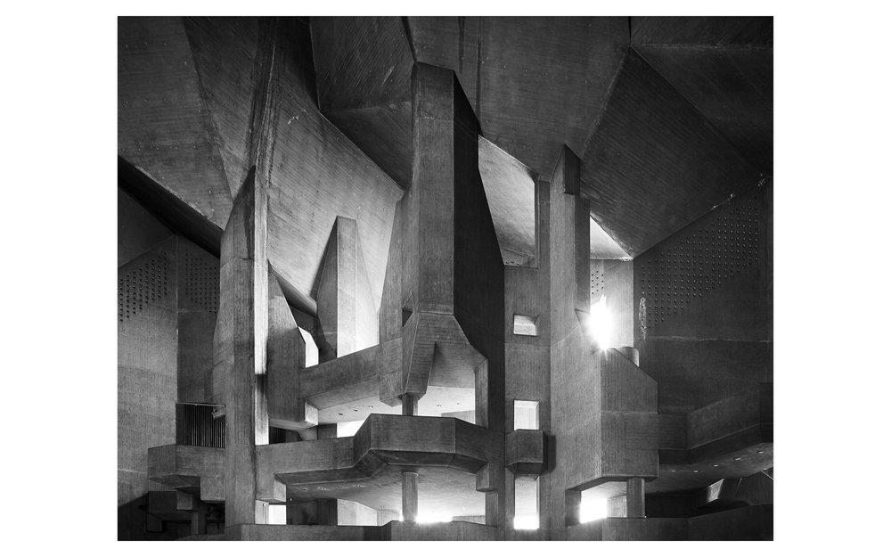 Piet Niemann Architectural Photographer Hamburg Germany Nijmegen Netherlands / Architekturfotograf Hamburg Deutschland Nimwegen Niederlande / MARIENDOM ZU NEVIGES GOTTFRIED BÖHM VELBERT BRUTALISMUS