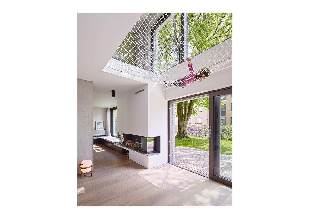 Piet Niemann Architectural Photographer based in Hamburg, Germany / available worldwide / Architekturfotograf / Architekturfotografie / S24 by Coido Architects, Hamburg