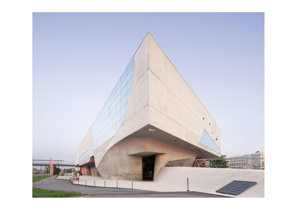 Piet Niemann Architectural Photographer Hamburg Germany  / Architekturfotograf Hamburg Deutschland / PHAENO SCIENCE CENTER WOLFSBURG ZAHA HADID ARCHITECTS
