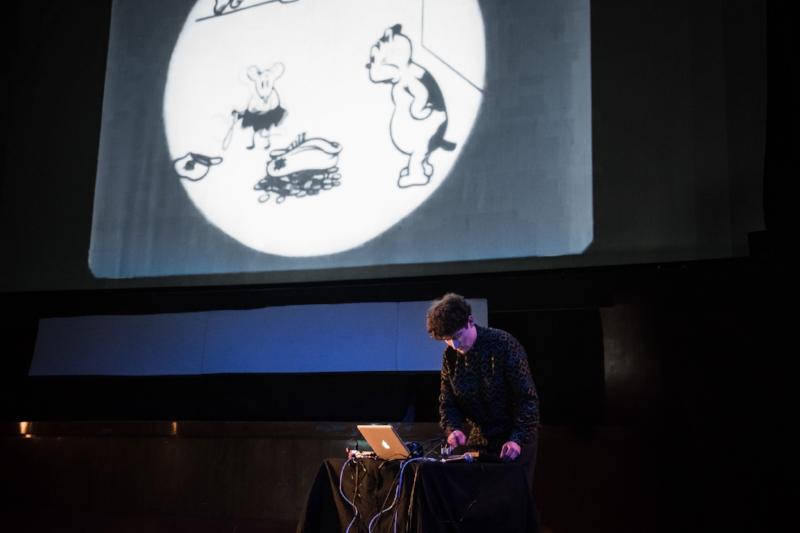 Räppäri Haamu ja kyseenalaiset animaatiot. Kuva: Eino Ansio (Loud Silents -festivaali 2017)