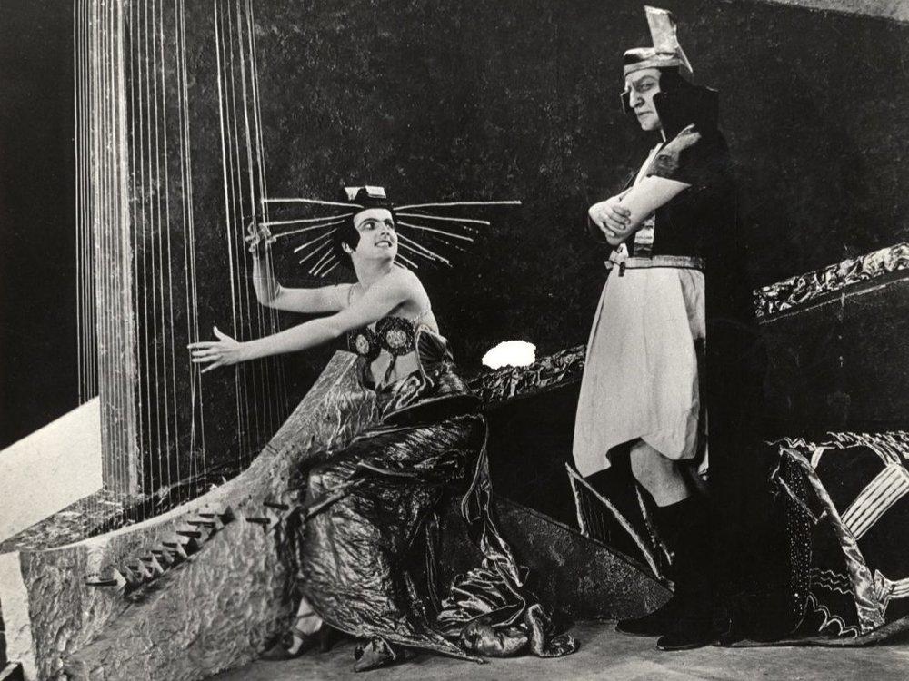 Marsin kuningatar Aelita ja hallitsija Tuskub