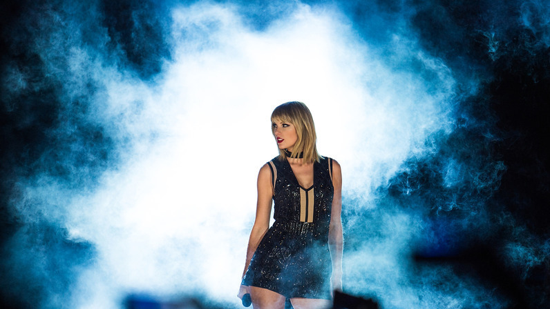 f1-united-states-gp-2016-taylor-swift-singer-performs-a-concert-at-cota-22-10-2016-formula-18423.jpg