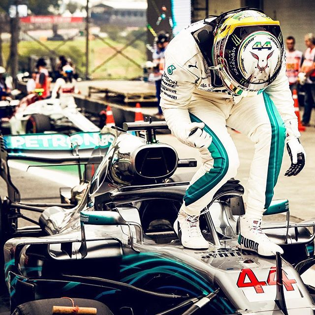 Congratulations to Mercedes AMG securing their 5th consecutive constructors championship at the #BrazilianGP 🇧🇷 🍾 📸 Credits to @mercedesamgf1  ___________________________________________________________ #LewisHamilton #MercedesAMG #ValtteriBottas #F1 #Formula1 #FormulaOne #GrandPrix #GP #Motorsport