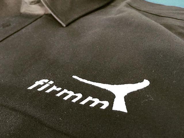 auch wir helfen gerne mit  wenns um die schutz von walen und delfinen geht. - brauchen auch sie bestickte kleider, dann sind sie richtig bei uns. #firmenkleidung #stickcenter