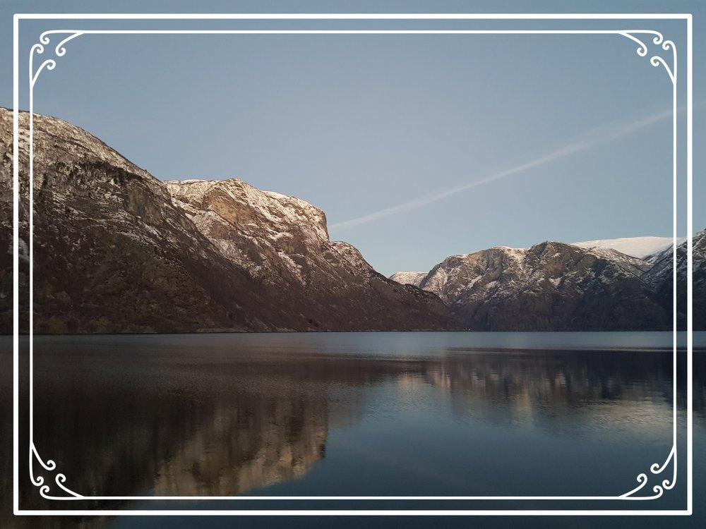 Aurlandsfjorden i desember.jpg