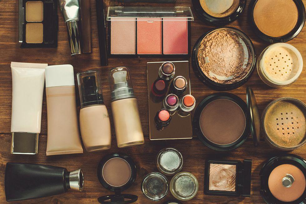 old-makeup-1521230986.jpg