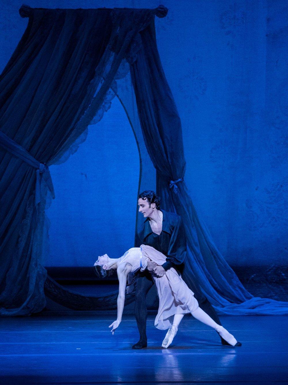 Maria Yakovleva/Roman Lazik: Copyright Wiener Staatsoper/Ashley Taylor