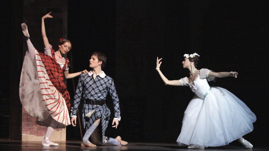 (above Natalie Kusch, Shane A. Wuerthner & Maria Yakovleva 2011/12 Season, Copyright: Wiener Staatsballet)
