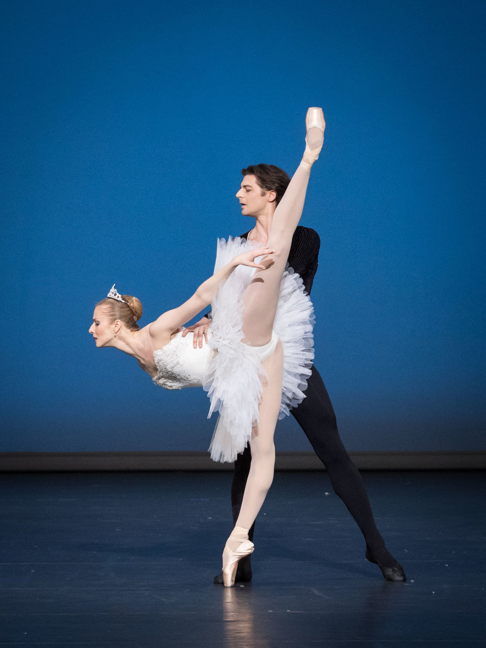 """Symphony in C"" (Balanchine) with Vladimir Shishov. Copyright: Ashley Taylor / Vienna State Ballet."