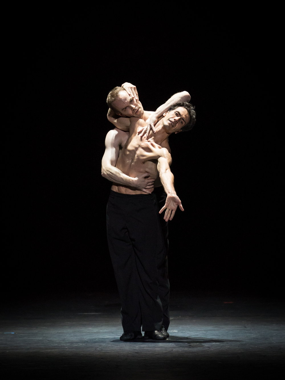 Alexander Riabko and Ivan Urban. Copyright: Vienna State Ballet/Ashley Taylor