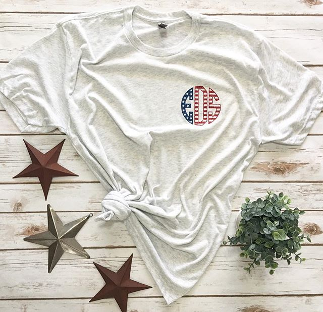 Sundays are the perfect basic tee day // simple + patriotic monogram pocket tee 💙❤️ • #monogramitall #monogramflag #patrioticmonogram #starsandstripes #simplesundaytee #simplesunday #sundayfunday #pocketmonogram #monogrameverything #farmhousetee #allwhiteeverything #homesweetfarmhouse #homeofthefree #shiplap #shiplapismylovelanguage • • • • #southernadmired #sa #shopsa #shopsouthernadmired #salove #shoplocal #shopsmall
