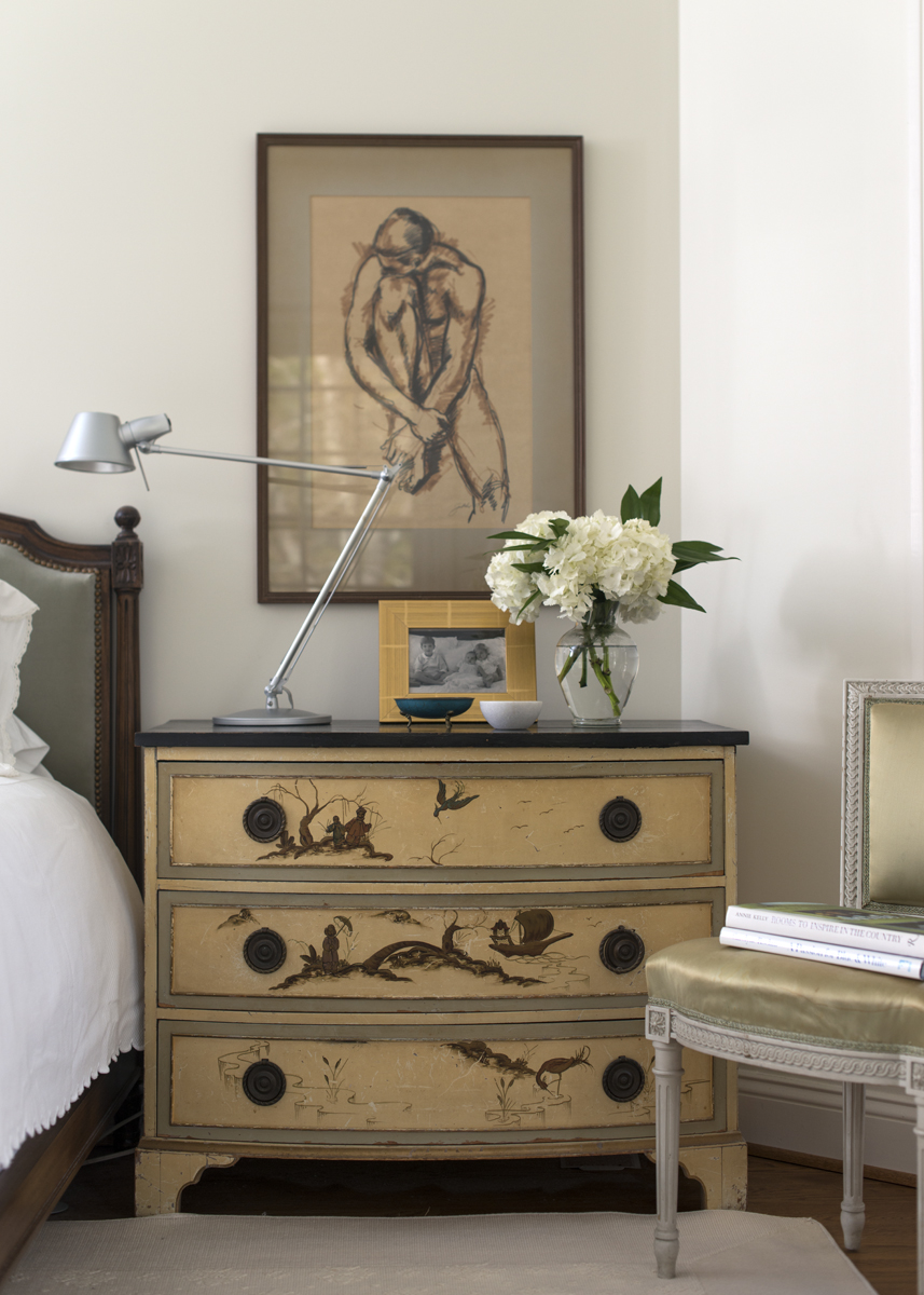 Bedside table design and decor