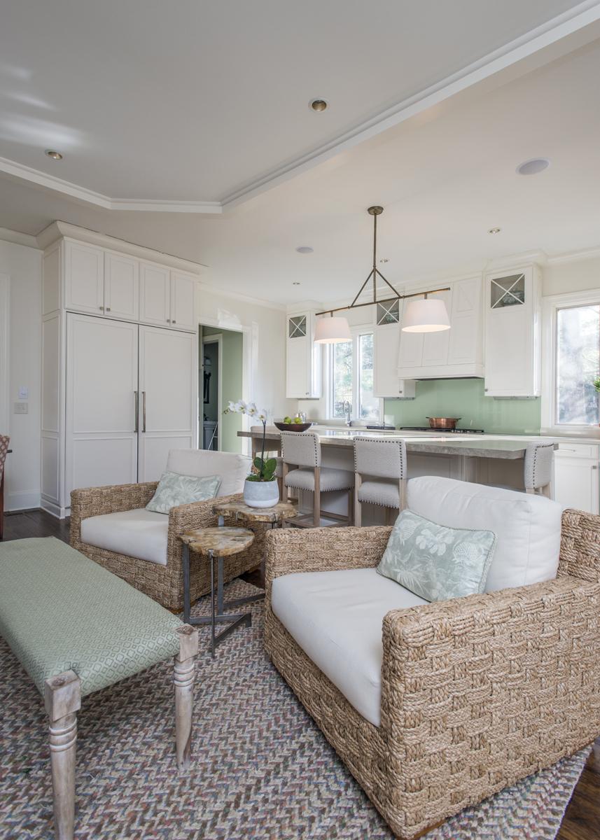 Kitchen sitting area