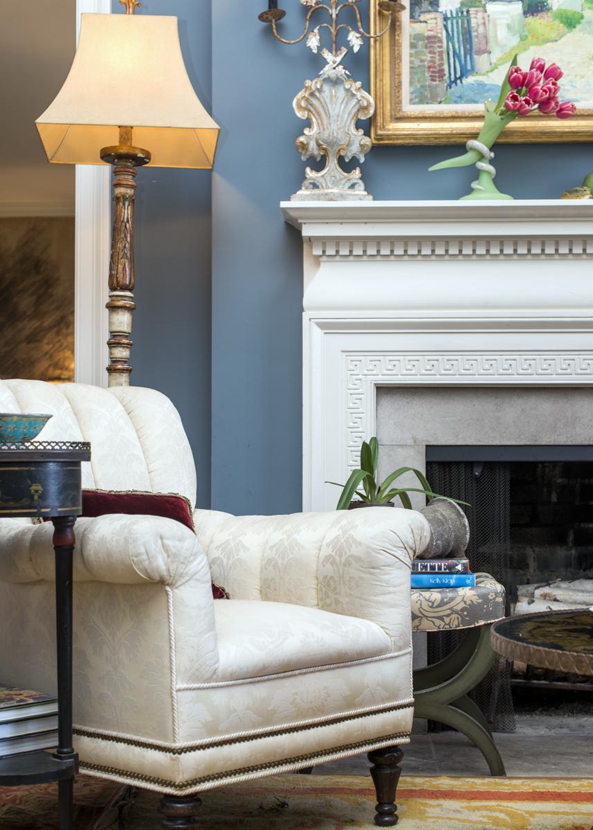 White and blue living room decor