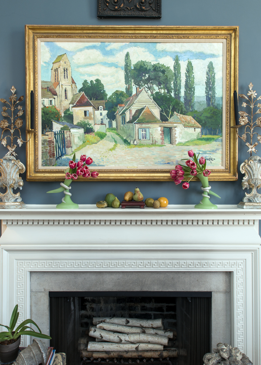 Formal mantle decor