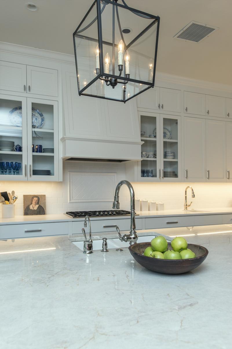 Kitchen island lighting, black and white decor